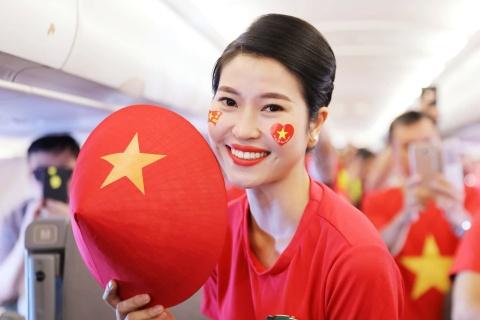 CDV Viet Nam hat vang Quoc ca tren duong tien ve san Pakansari hinh anh