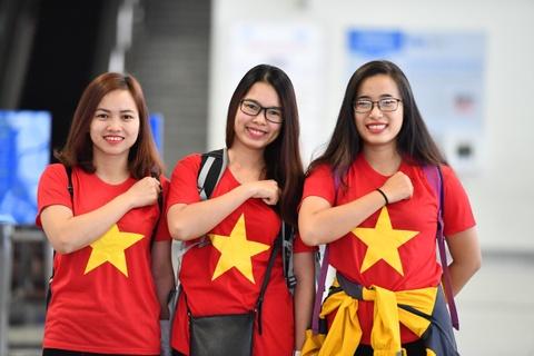 Hàng trăm cổ động viên sang UAE tiếp sức cho đội tuyển Việt Nam