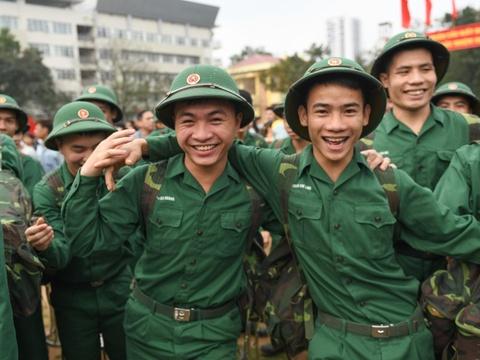 Những cung bậc cảm xúc ngày tân binh thủ đô lên đường nhập ngũ