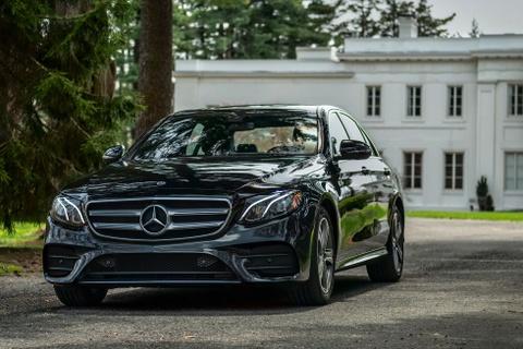 Danh gia Mercedes E350 2020 - sedan tiem can E-Class cao cap hinh anh