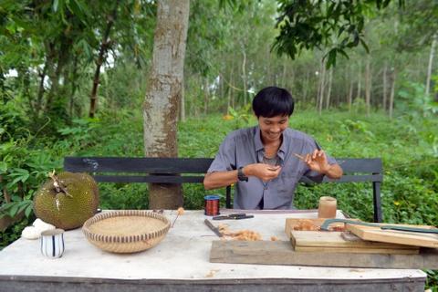 Chang nong dan 'khung' va giac mo ong hut tre hinh anh 3