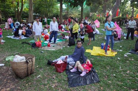 Thao Cam Vien ngap rac trong chuong thu hinh anh 2