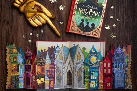 Sach 'Harry Potter va Hon da phu thuy' voi tranh mau tuong tac hinh anh
