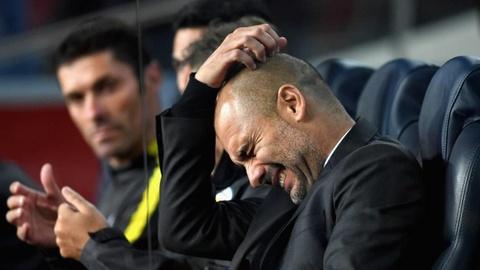 Guardiola thua nhan Man City co the mua them trung ve hinh anh