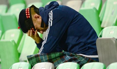 CDV nhiem virus corona sau khi den xem Champions League hinh anh