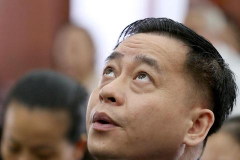 Hoan phien toa phuc tham Vu 'nhom' trong dai an Dong A hinh anh