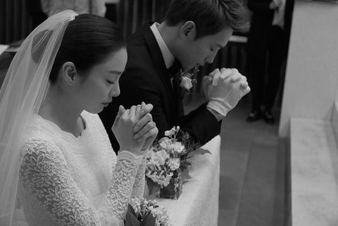 Anh hiem hoi cua Kim Tae Hee - Bi Rain trong le cuoi hinh anh