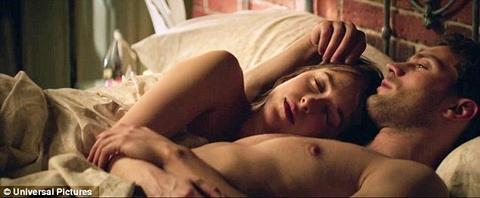 Dakota Johnson tao bao hon trong trailer moi '50 sac thai' hinh anh