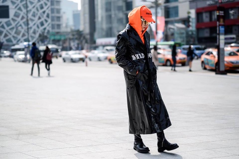 Son Tung M-TP bi to sao chep y tuong trang phuc o Seoul hinh anh 3