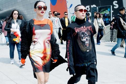 Toc Tien 'chat lu' trong lan cuoi du Seoul Fashion Week 2017 hinh anh