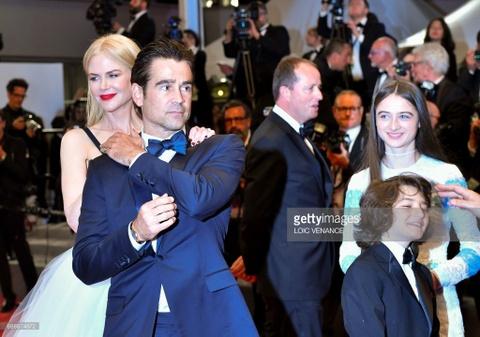 Ba cap doi 'dot nong' tham do Cannes ngay thu 6 hinh anh 12