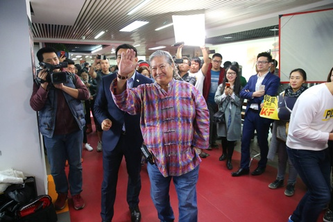 Hong Kim Bao: 'Doi toi khong lam phim nhu Chien lang 2 cua Ngo Kinh' hinh anh 4