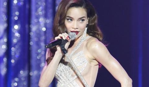 Ho Ngoc Ha bi to huy show nuoc ngoai vi thieu Tran Thanh hinh anh