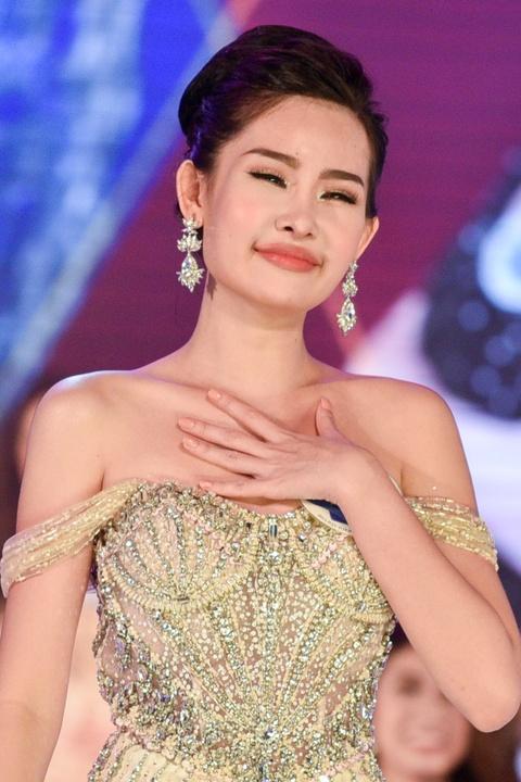 Dan mang che Hoa hau Dai duong 2017 kem sac hinh anh 9