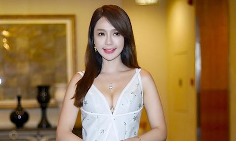 Helen Thanh Dao bi mot ga 50 tuoi quay roi noi cong cong hinh anh