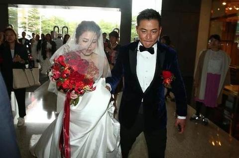 Le cuoi tai tu 'Bao Thanh Thien' gap su co vi vay co dau bi chay hinh anh