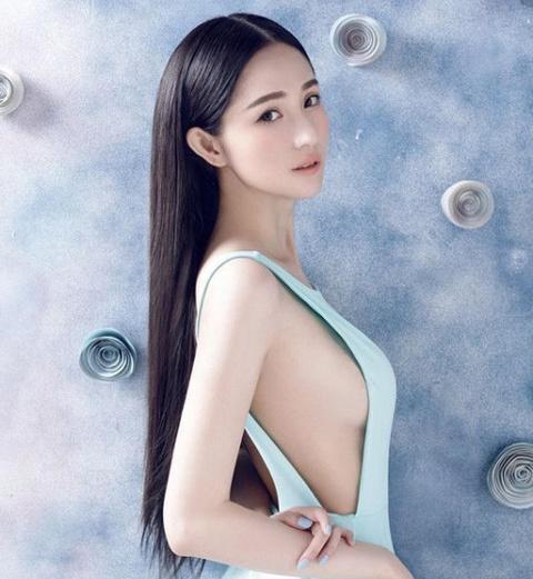 Lam Yen: My nhan xuat than gia the, tu hao la 'bieu tuong sex' hinh anh 2