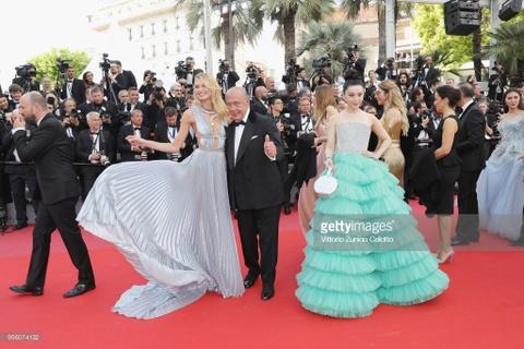 Clip dan sao nhuong duong cho Pham Bang Bang tai Cannes hinh anh