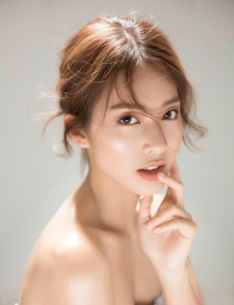 Kha Ngan: Tu hot girl tai tieng den nu chinh 'Hau due mat troi' hinh anh 6