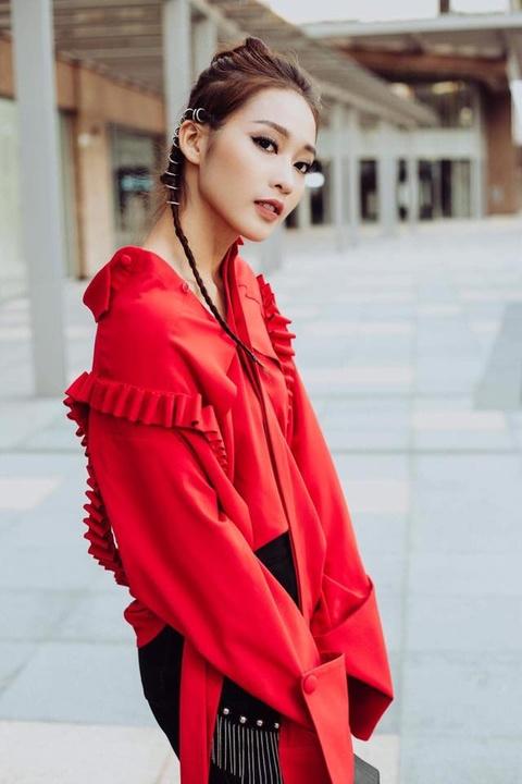 Kha Ngan: Tu hot girl tai tieng den nu chinh 'Hau due mat troi' hinh anh 5