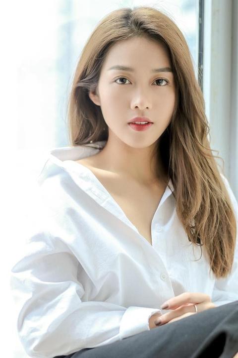 Kha Ngan: Tu hot girl tai tieng den nu chinh 'Hau due mat troi' hinh anh 10