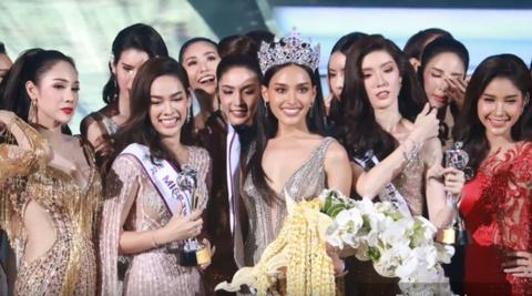 Khoanh khac dang quang cua tan Hoa hau chuyen gioi Thai Lan 2018 hinh anh