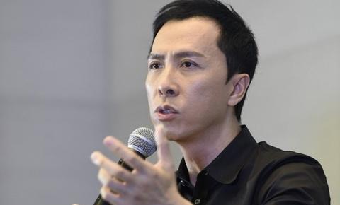 Chan Tu Dan noi nong khi bi doan phim chi trich gay gat hinh anh