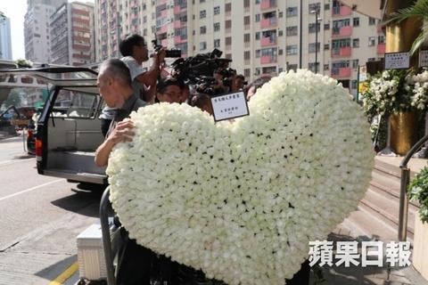 Ty phu Jack Ma va cac nghe si dua Kim Dung ve noi an nghi cuoi cung hinh anh 2