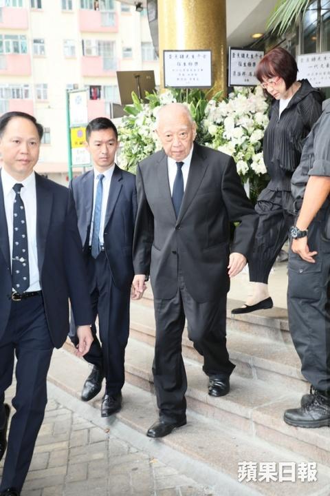 Ty phu Jack Ma va cac nghe si dua Kim Dung ve noi an nghi cuoi cung hinh anh 8