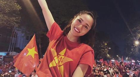 Sao Việt vỡ òa, rủ nhau đi bão sau khi Việt Nam vào tứ kết Asian Cup