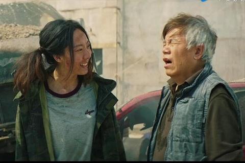 'Tan vua hai kich': Phim hai cua Chau Tinh Tri gay cuoi ra nuoc mat hinh anh 3
