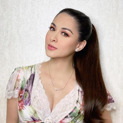'My nhan dep nhat Philippines' khoe ve goi cam khi mang bau 9 thang hinh anh 6