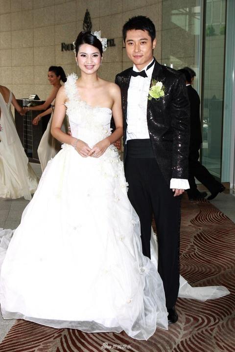 Hong Han - thoi 20 sinh con mot minh, tuoi 48 bi chong phan boi hinh anh 4