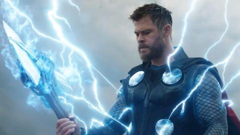 Vi sao Captain America bi Loki ha guc nhung do duoc don cua Thanos hinh anh 1