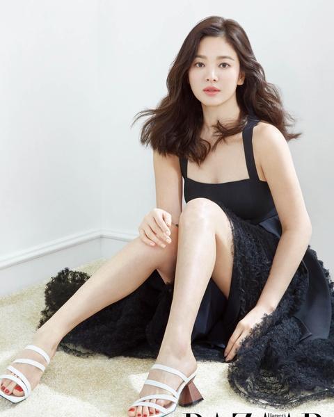 Song Hye Kyo - ngoc nu thi phi va on ao bi bat qua tang ngoai tinh hinh anh 2