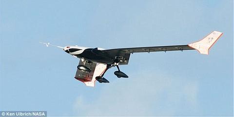 Thu nghiem may bay khong nguoi lai X-56A hinh anh