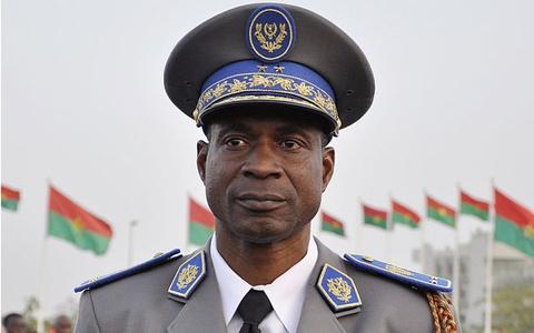 Quan doi Burkina Faso dao chinh truoc bau cu hinh anh