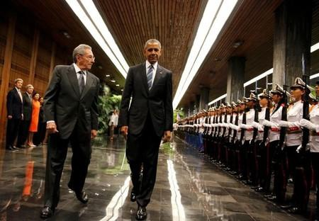 Chu tich Raul Castro tiep don Tong thong Barack Obama hinh anh