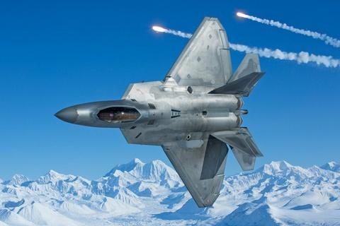 Su-35 doi dau F-22, chien dau co nao uu the hon? hinh anh 2