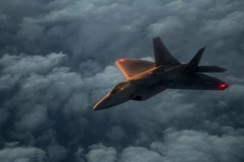 Su-35 doi dau F-22, chien dau co nao uu the hon? hinh anh 10