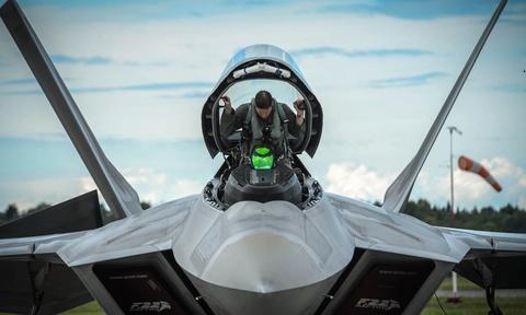 Su-35 doi dau F-22, chien dau co nao uu the hon? hinh anh 13