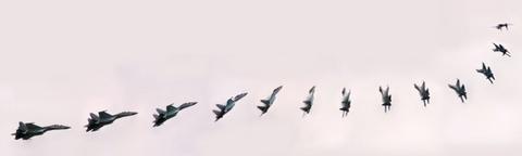Su-35 doi dau F-22, chien dau co nao uu the hon? hinh anh 4