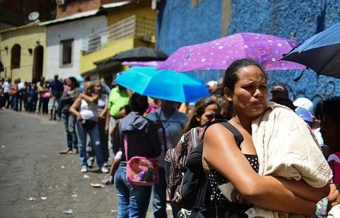 venezuela thieu luong thuc hinh anh