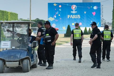 Phap rao riet chuan bi an ninh truoc tran khai mac Euro 2016 hinh anh 11