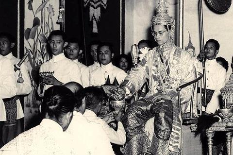 Bhumibol Adulyadej - trai tim, linh hon cua nguoi dan Thai hinh anh