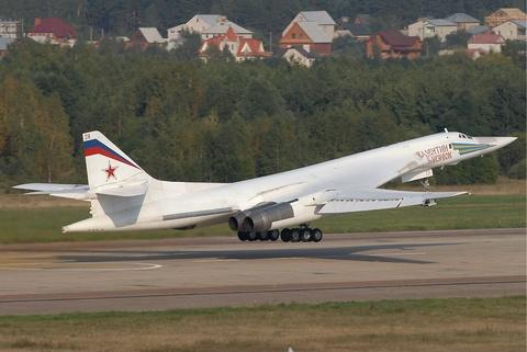 Nhung vu khi Nga khien NATO de chung hinh anh 7