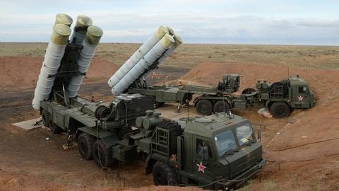 Chuyen gia Nga thua nhan S-400 khong du che bau troi Syria hinh anh