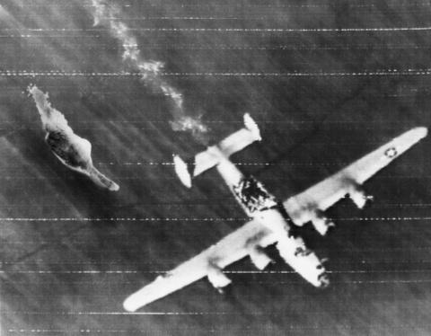 May bay B-24: Ke giai phong chau Au den tu My hinh anh 11