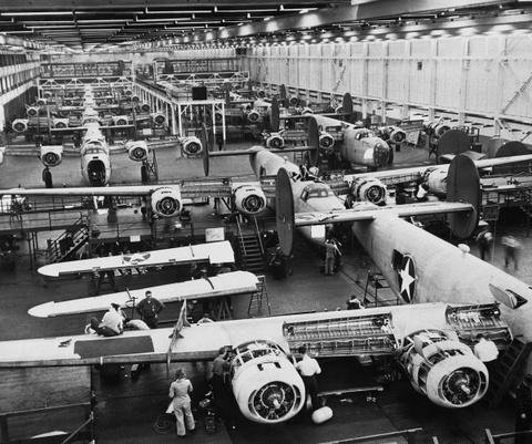 May bay B-24: Ke giai phong chau Au den tu My hinh anh 4