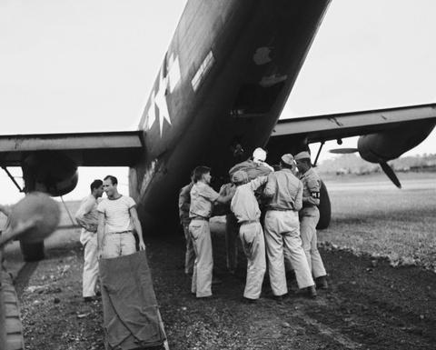 May bay B-24: Ke giai phong chau Au den tu My hinh anh 10